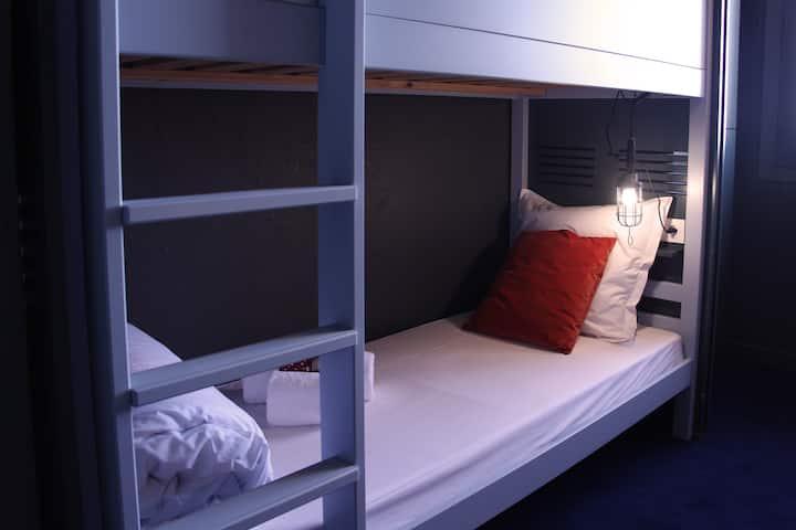 Chambre de 4 au Ho36 Hostel La Plagne-Paradiski