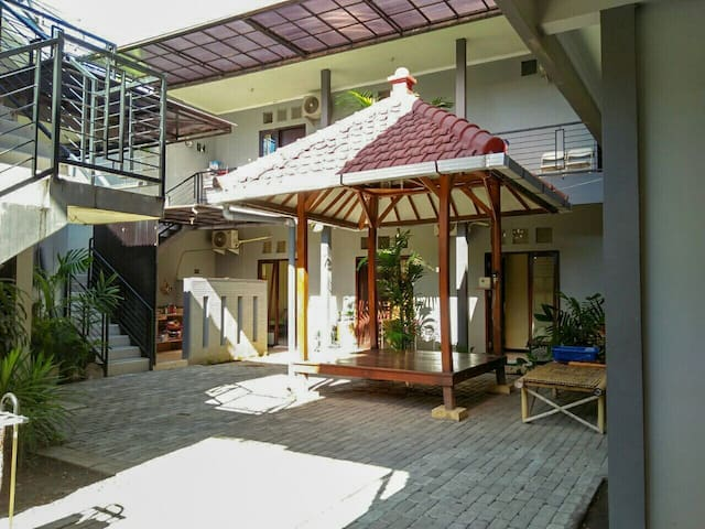 Colorbox House Probolinggo - Bromo Backpacker