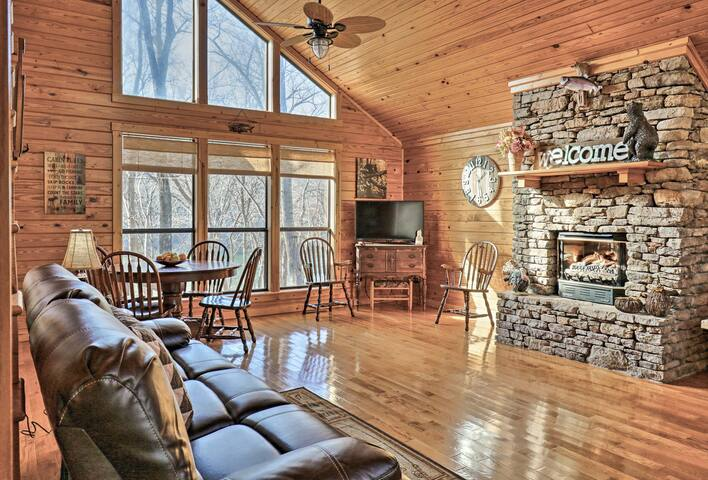 Roomy Riverfront 'Trout Valley Cabin' w/ Fishing!