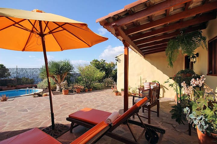 Casa Acoroma with Private Pool - Igueste de Candelaria - Rumah