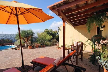 Casa Acoroma with Private Pool - Igueste de Candelaria