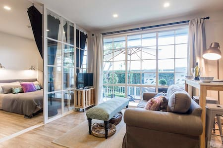 !!!!SUPER COSY/NEW FLAT!!! 4' WALKING BY THE SEA - Hua Hin