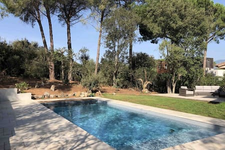 Domaine Cala Rossa, plage à 250m, piscine chauffée