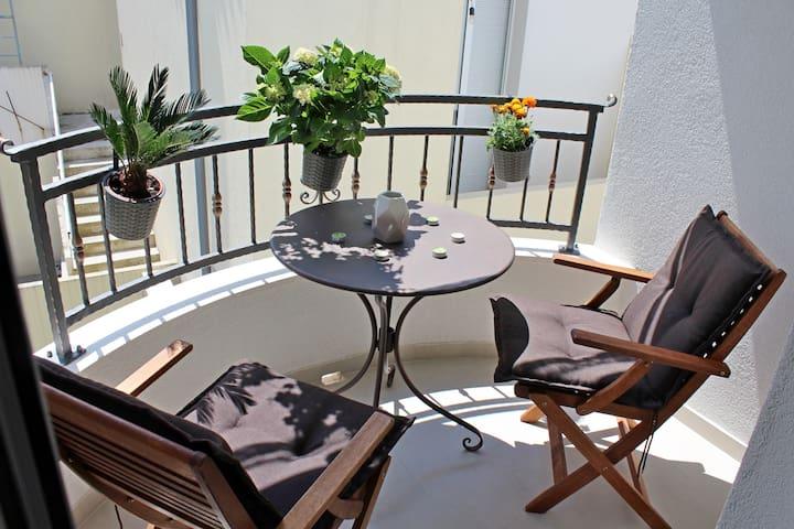 New Lovely Studio Apt.with Balcony-Adriona 1