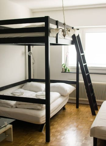 """FAN 3"" Cosy flat located nearby central station"