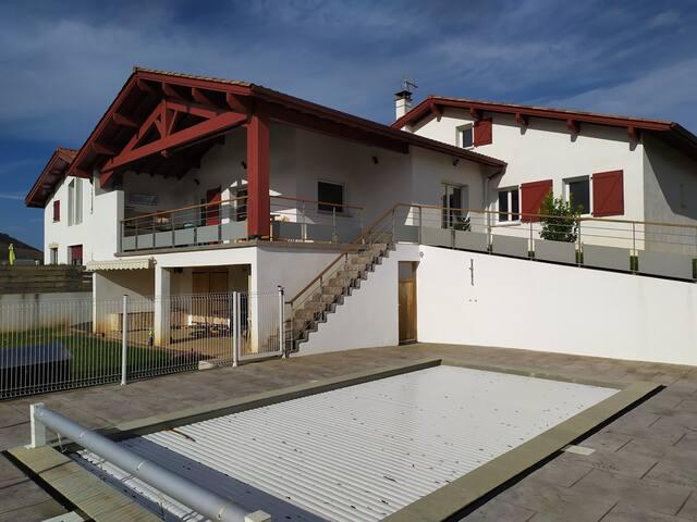 Maison Pays basque 150 M2   proche Cambo-les-bains