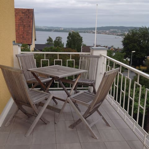 Beutiful view over lake Vättern - Jönköping - House