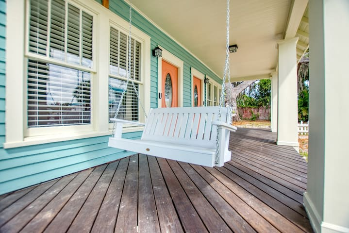 Clearwater Apt with View and Close to Beach!