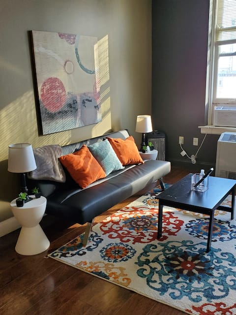 Cozy 1BR DowntownMemphis CityViews ExtStayAvail.