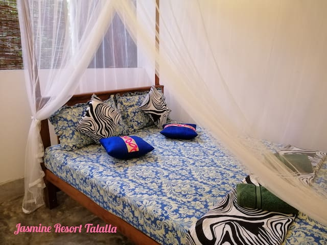 Homely Rooms Near Talalla Beach