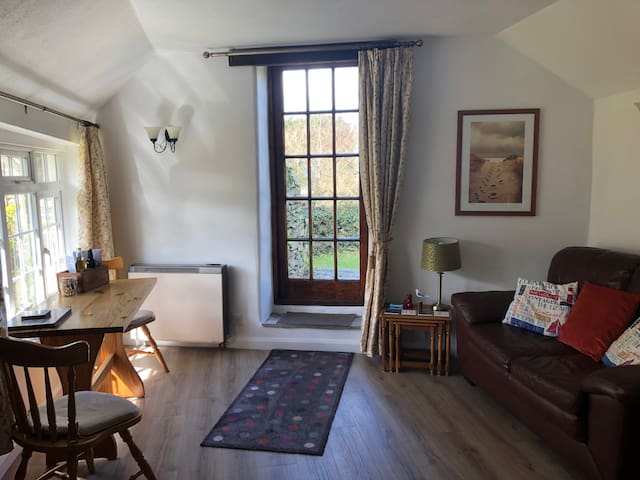 Plover Cottage at Trenale Court Holiday Cottages