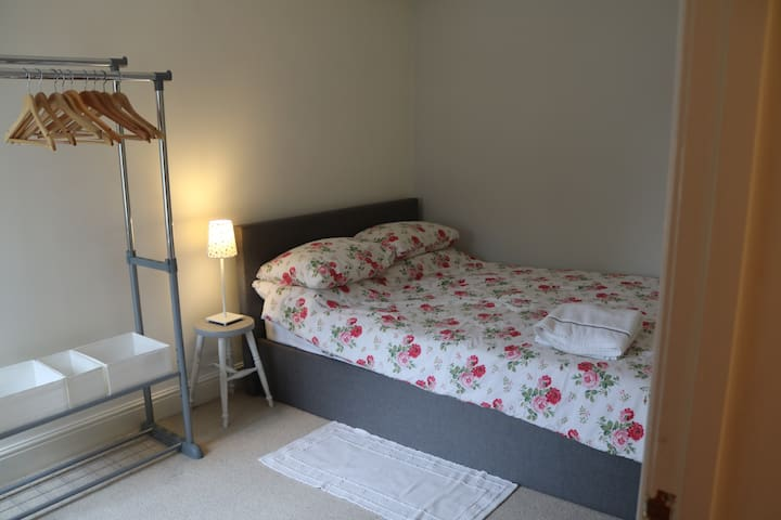 Central Lymington double bedroom