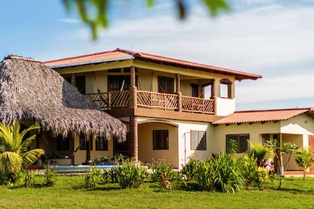Casa SolNic, Great surf and beaches out front ! - Aserradores