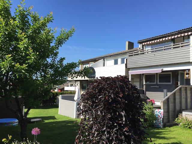 Quiet neighbourhood w/parking - Stavanger - Maison de ville