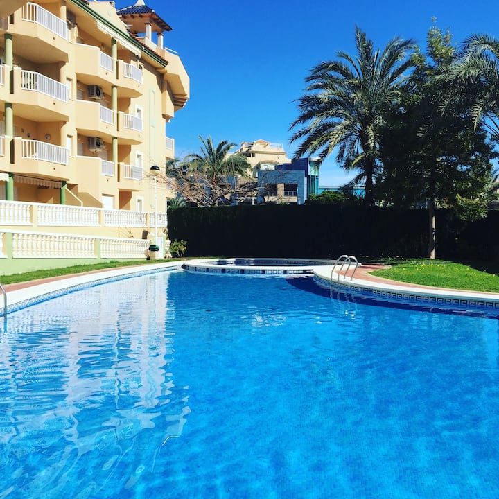Stunning 3 bedroom penthouse with BBQ in Tomás Maestre