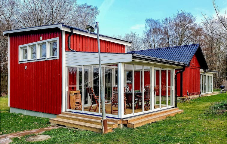 Holiday cottage with 2 bedrooms on 34m² in Veberöd