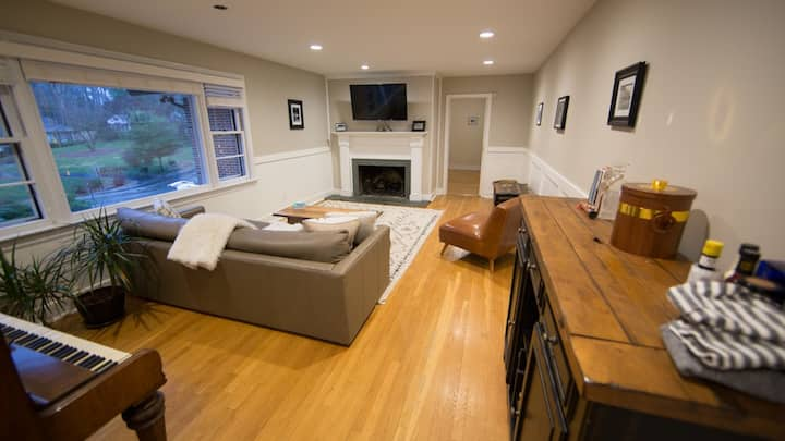 The Whitewood House! Gorgeously Renovated home!