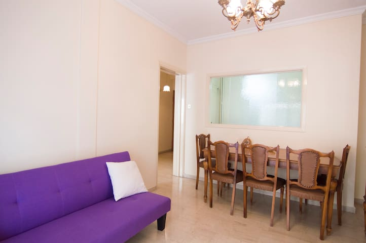 Piraeus flat 2 min walk from Marina - Pireas - Departamento
