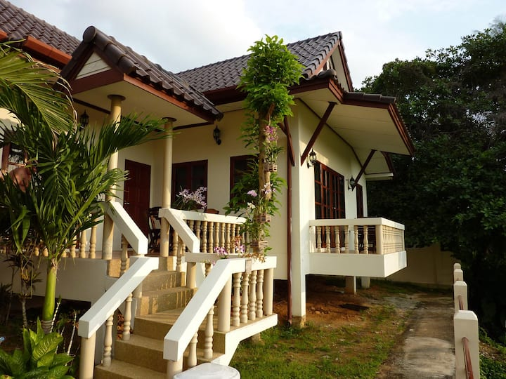 Beautiful 2 BR villa in Karon Beach