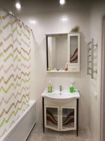 Новая,46кв м однокомнатная квартира,под двухкомнат - Ulyanovsk - Apartment