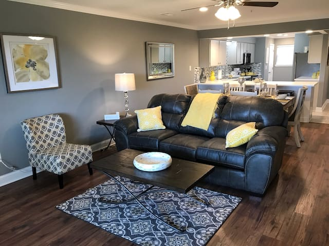 Amazing condo at thousand hills foothills