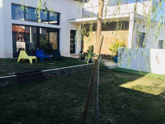 Villa neuve à 200m du lac de Villeneuve-de-la-Raho