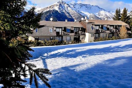 Chez Ninette, direttamente sulle piste da sci. - Sauze d'Oulx - Appartement