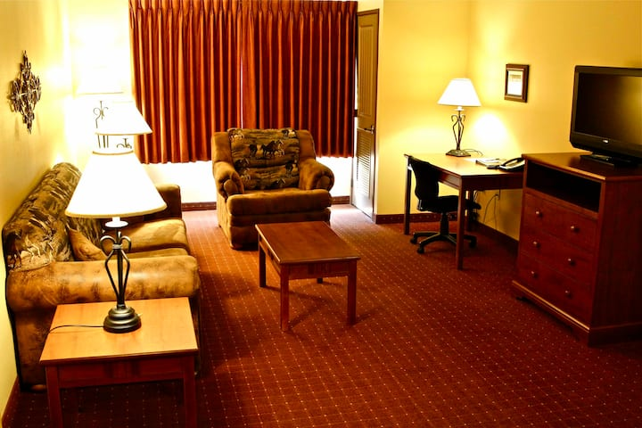 Calling All Families- Wyoming Western Lodge Awaits