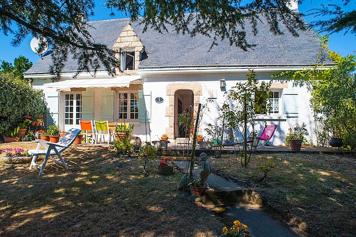 Chambres de charme au coeur d'un  jardin arboré - La Baule-Escoublac - Bed & Breakfast