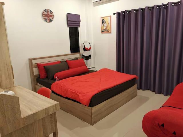2nd bedroom on 2nd floors