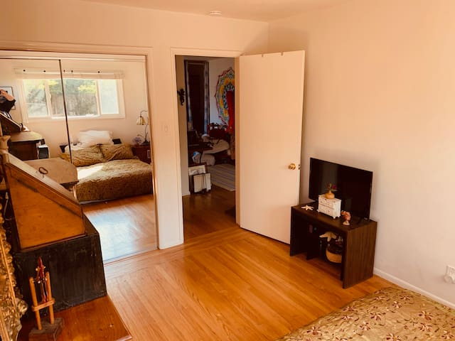 Sausalito LEGACY Apartment Great for longer term
