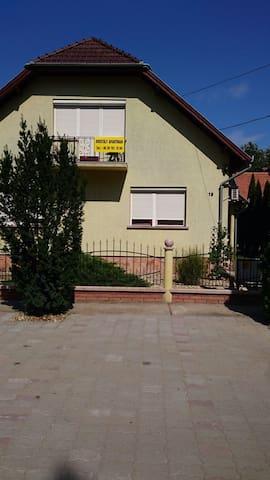 Kristály Apartman