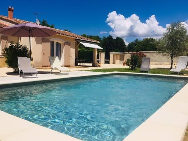 Valréas : Villa avec piscine de mai à septembre
