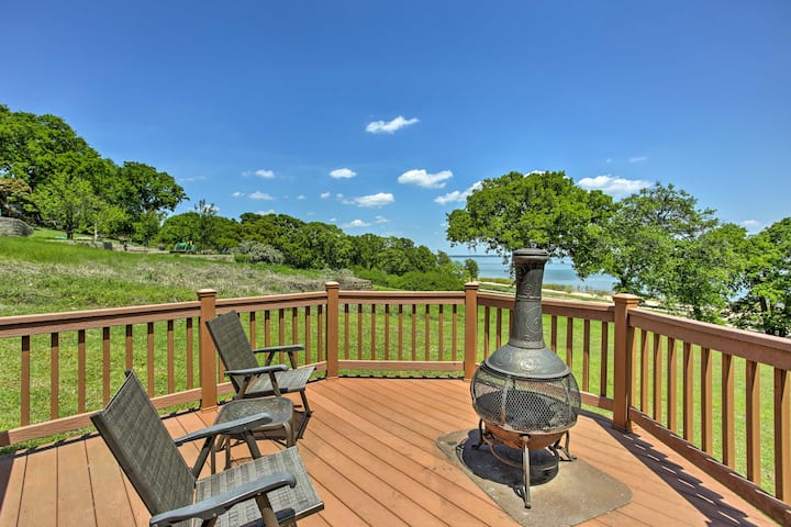 Cozy Kingston House on Lake Texoma-Steps to Beach!