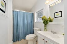 Beautiful, bright and spacious en suite master bathroom! Large soaker tub too!