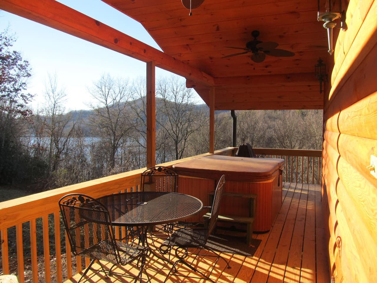 Private hot tub deck for romance!