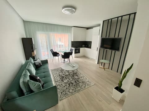 "Brand New Apartment ""J&R"" near Girstutis.  24/7 !"