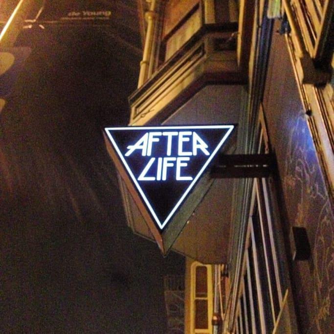Mission District semtinde Afterlife Boutique adlı yerin fotoğrafı