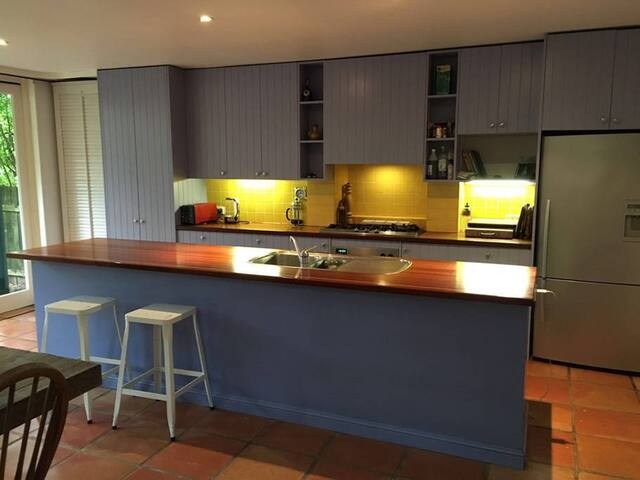 Large room in Cozy House Next to Manly Beach - Manly - Haus