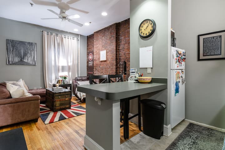 Charming bedroom in the heart of Hoboken!
