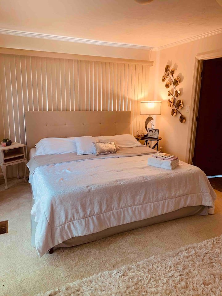 Charming Master Suite in Betton Hills
