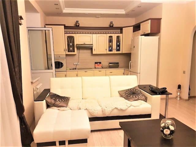 Camelia Apartments near Crocus