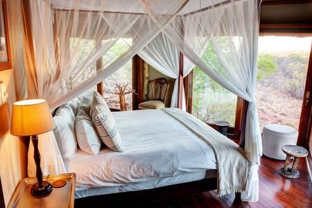 Luxury Game Lodge in the Waterberg