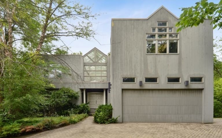Modern 4 BR 3.5BA house by Chicago Botanic Garden - Northbrook