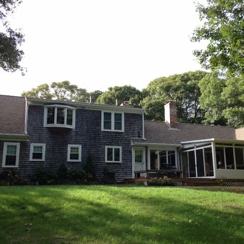 West Falmouth Family Escape-Lots of Privacy