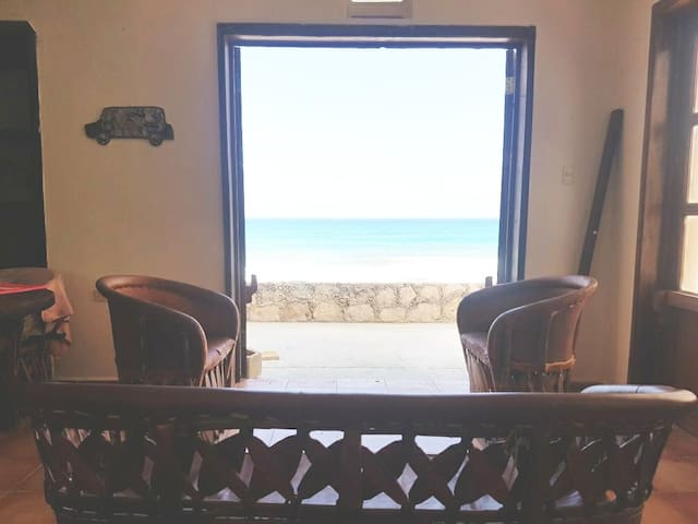 Beautiful Oceanfront vacation home at Isla Mujeres