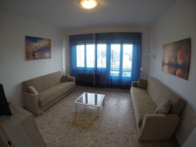 """Casa """"Libeccio"""", 3 min a piedi dal mare - San Vincenzo - Departamento"""