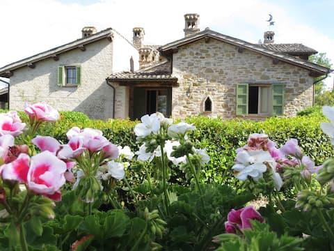 Apartamento en casa rural italiana con piscina grande