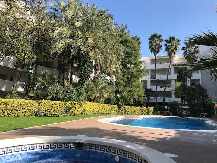 Appartement avec piscine et vue sur les canaux