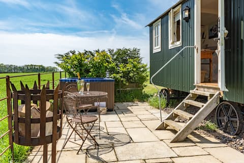 Hut 1 Upon a Hill  Wellow Includes Hot Tub